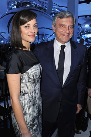 Marion Cotillard - Attends the Paris Fashion Week in Paris (01.03.2013)