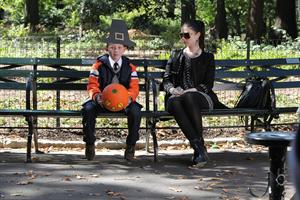 Michelle Trachtenberg on the Set of Gossip Girl in Central Park - September 24, 2012