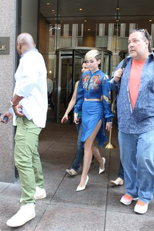 Miley Cyrus Leaves the Sony Studios in New York City (27.06.2013)