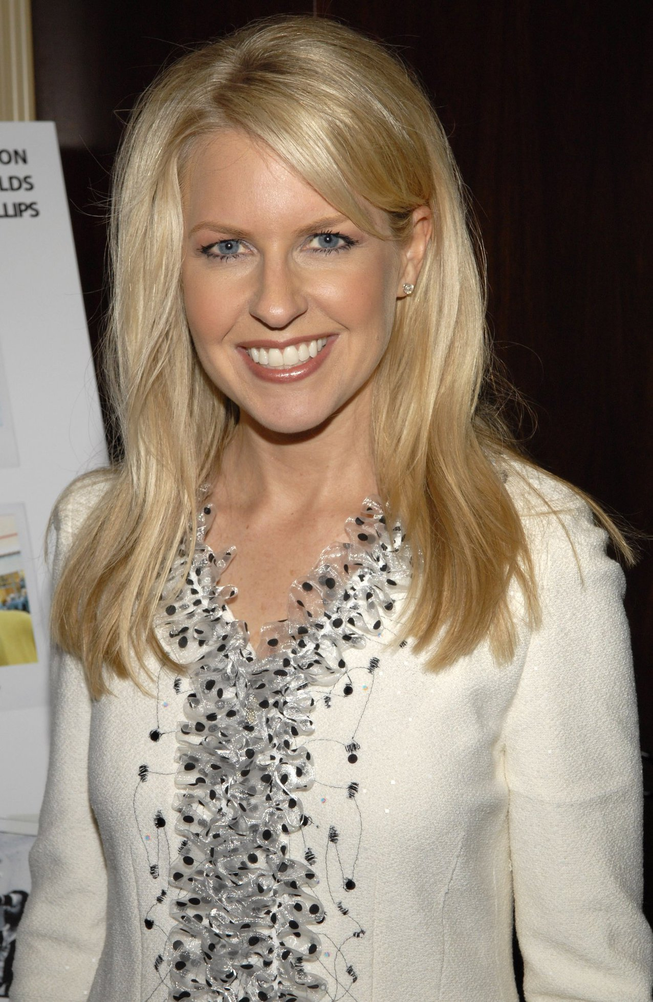 how tall is monica crowley
