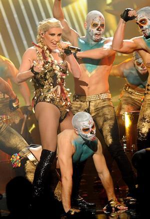 Kesha American Music Awards - Performance (November 18, 2012)