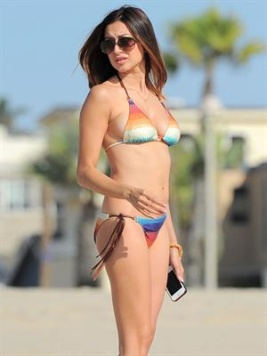 Noureen DeWulf bikini candids at Redondo Beach 10/8/12