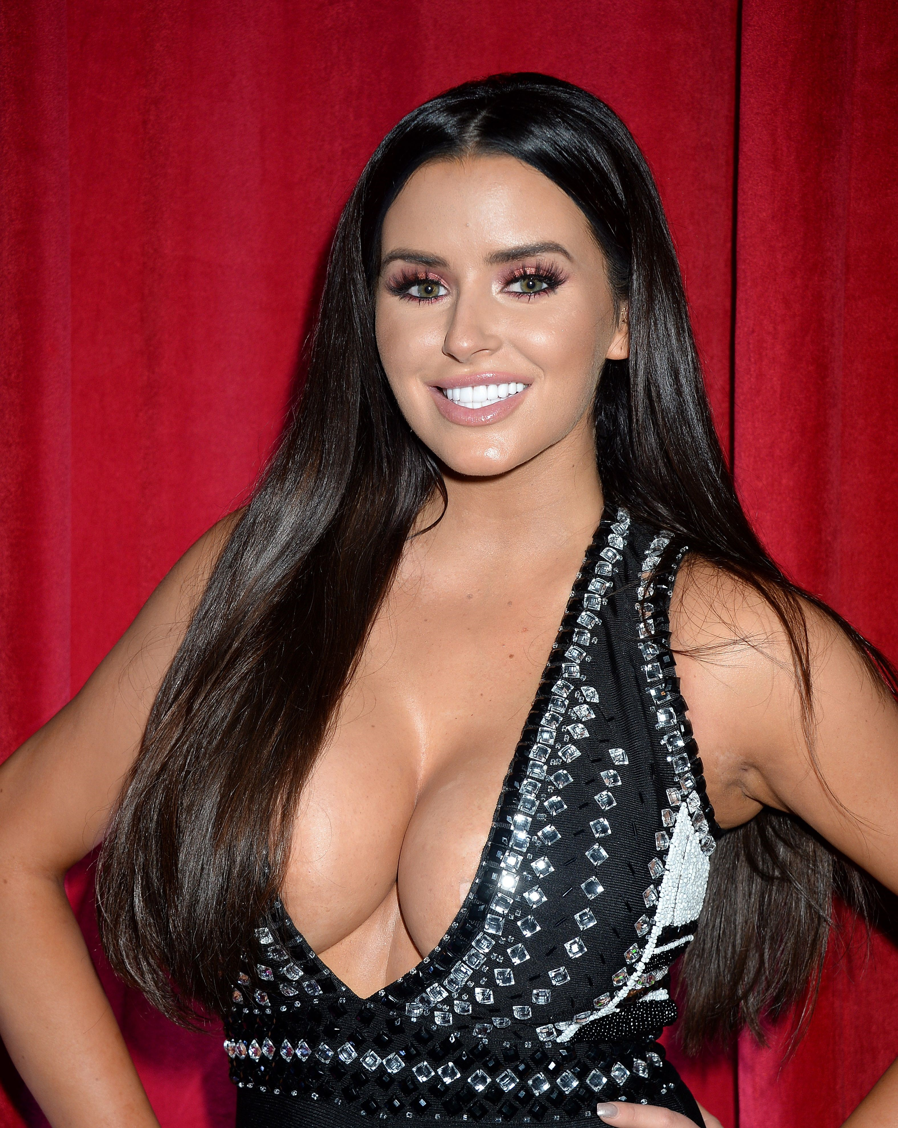 Great Cleavage Pictures