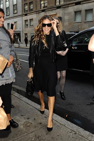 Sarah Jessica Parker Heading to Michael's Restaurant in New York (November 12, 2012)