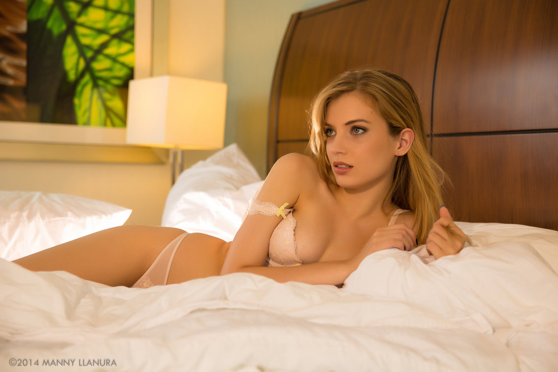 European vixen Amy Wild enjoys a passionate groupsex with her friends  1138513