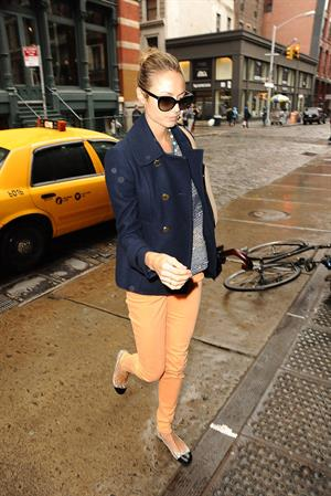 Stacy Keibler Shopping in SoHo in New York - October 9, 2012