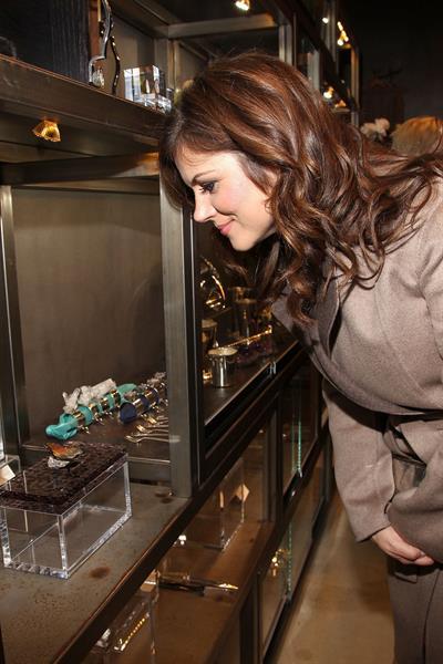 Tiffani Thiessen Opening Celebration Of Kimberly McDonald Los Angeles (Jan 10, 2013)