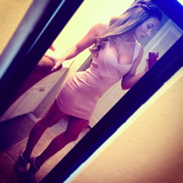Paige Hathaway taking a selfie