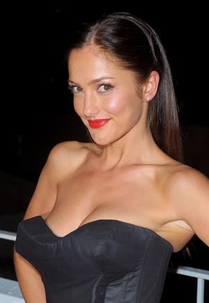 Minka Kelly the Art of Elysiums 3rd annual Black Tie Charity Gala Heaven on January 16, 2010