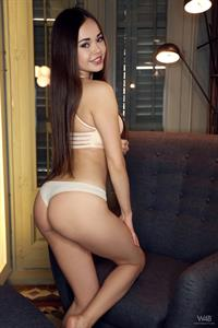 Li Moon in  I Love To Pose