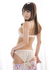 Syunka Ayami in lingerie - ass