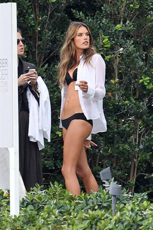 Alessandra Ambrosio Victoria's Secret bikini photoshoot candids, Miami, Jan 30, 2014