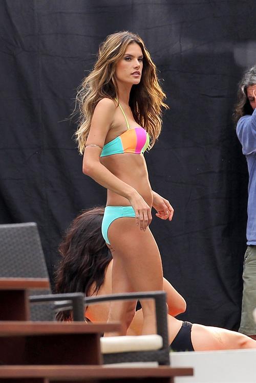 Alessandra Ambrosio Victoria's Secret bikini photoshoot candids, Miami, Jan 30, 2014