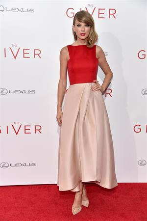 Taylor Swift attending  The Giver  New York City premiere on August 11, 2014