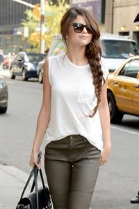 Selena Gomez –  Late Show with David Letterman  10/17/13
