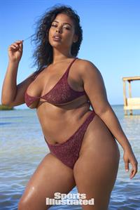 Tabria Majors Pictures