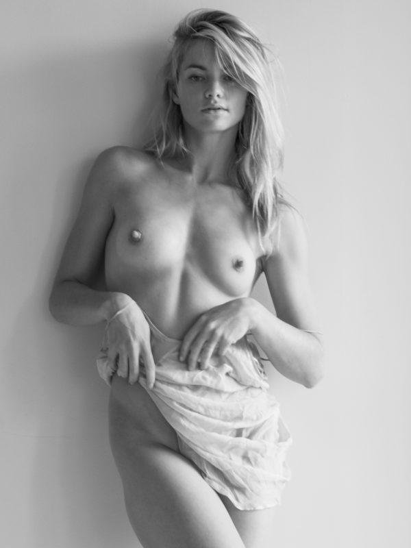 Showing xxx images for elyse levesque porn xxx