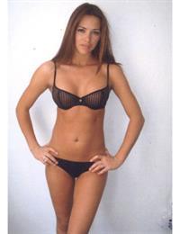 Alina Văcariu in lingerie