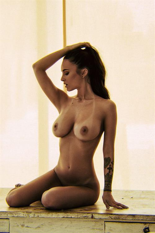 Alice Sey - breasts
