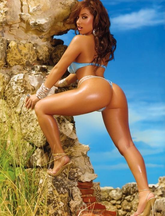 ida ljunggvist in bikinis