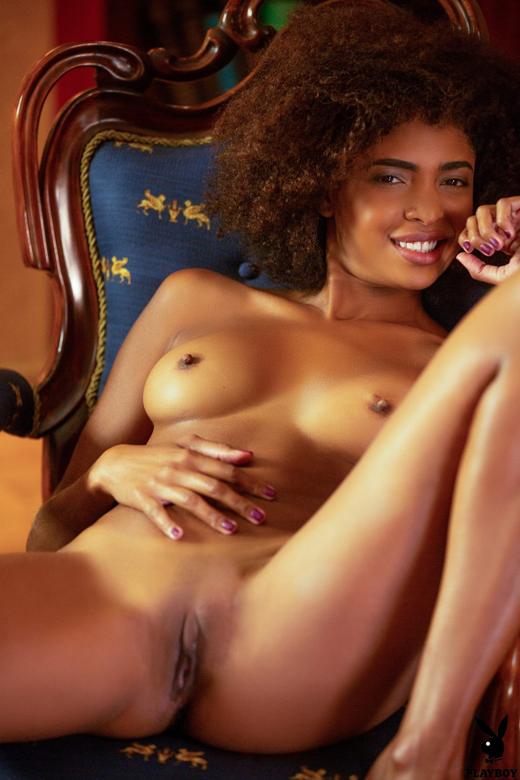 Bruna Rocha Nude - 10 Pictures In An Infinite Scroll-1057