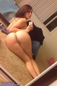 Anonymous taking a selfie and - pussy and ass