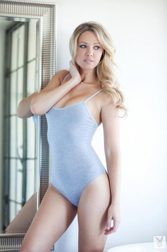 tiffany toth nude