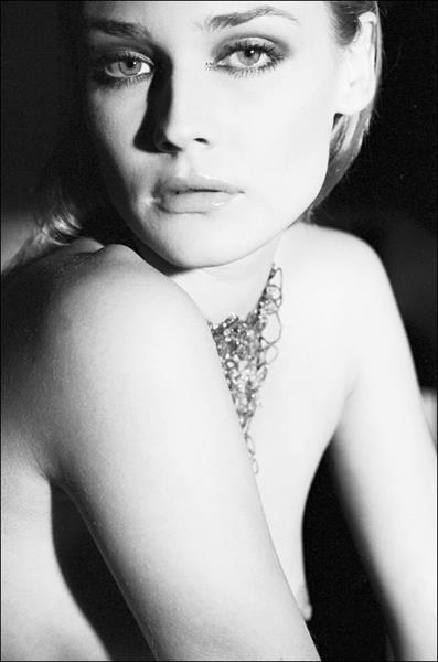 Diane Kruger - breasts