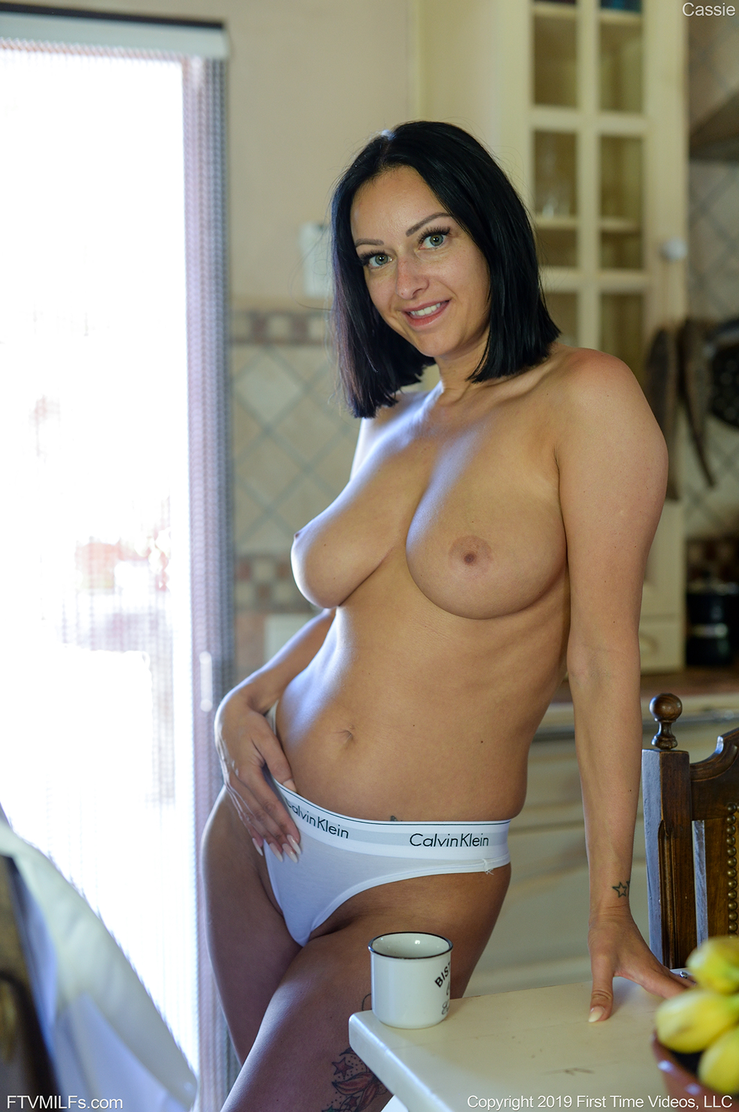 cassie-topless-pictures-play-porn-games-for-free