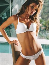 Gisele Bündchen in lingerie