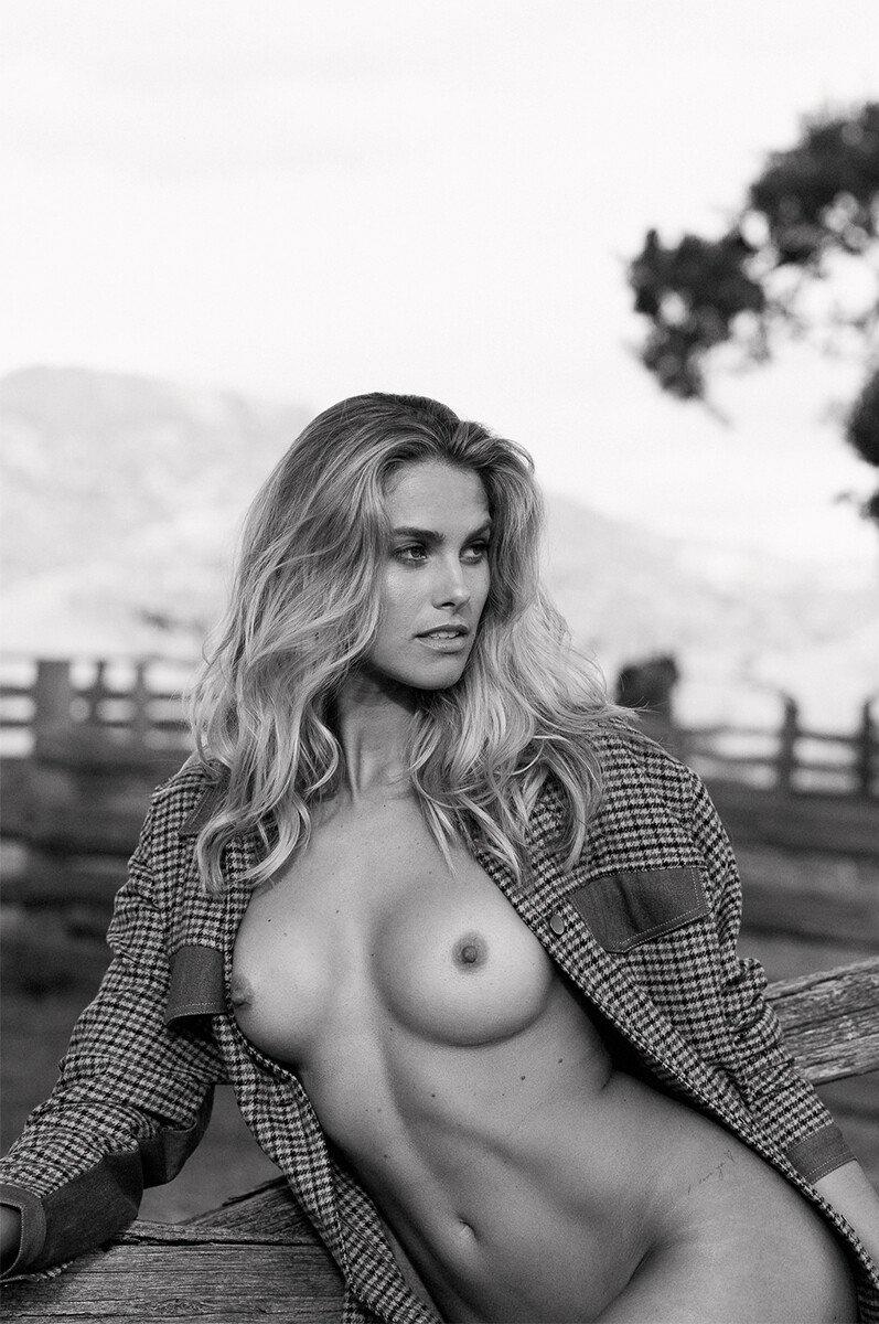 Natalie Roser Nude