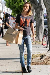 Olivia Wilde shopping in Los Angeles - June 1, 2013