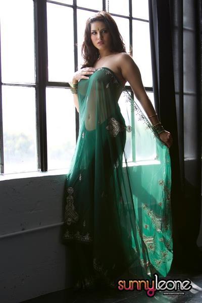 Sunny Leone - breasts