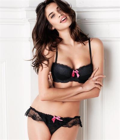 Sara Sampaio in lingerie