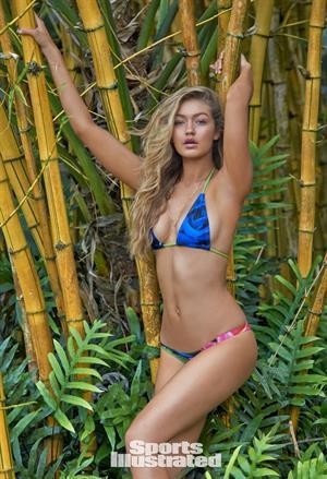 Gigi Hadid Sports Illustrated 2015