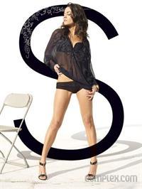 Mila Kunis in lingerie