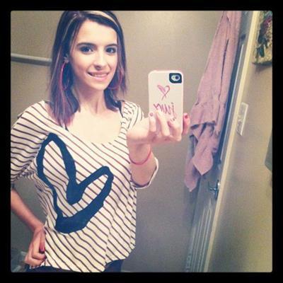 Alyssa Shouse taking a selfie
